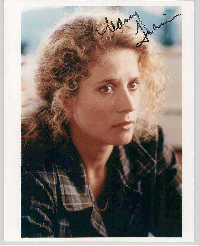 Nancy Travis Autographed Fluke 8x10 Photo