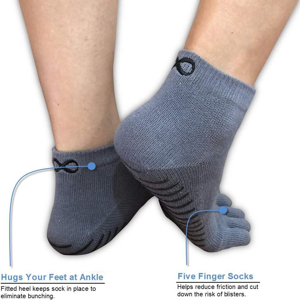 Calcetines antideslizantes para yoga con la forma de los dedos de la marca YogaAddict