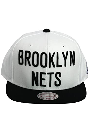 ba23fa6be5f Mitchell   Ness Men s The Brooklyn Nets XL Logo Snapback Cap at Amazon  Men s Clothing store