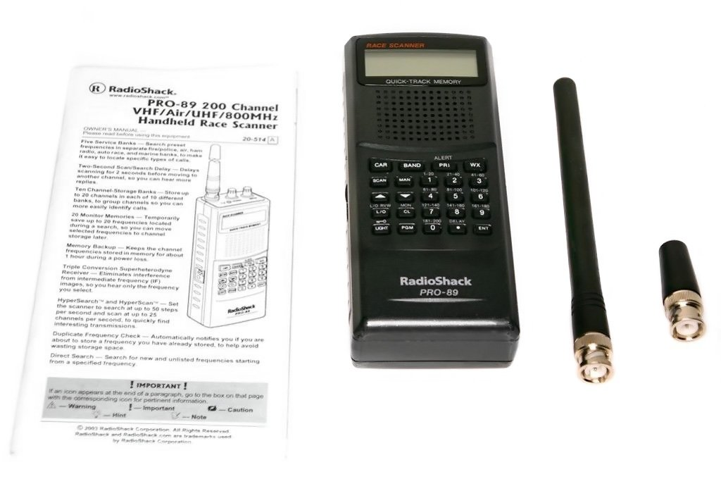 Radio Shack PRO-89 Race Scanner with Manual and 2 Antennas 800 MHZ