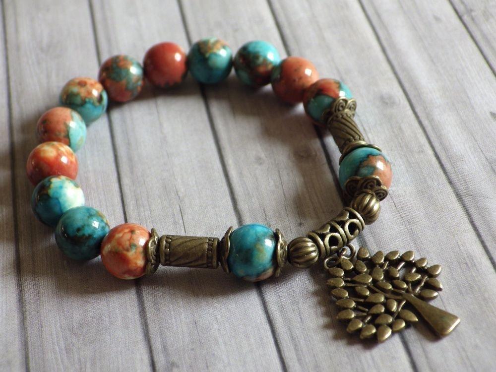 pulsera de perlas vintage estilo tibetano jade blanco natural, teñida de color marrón, naranja y azul, y pendientes en forma de árbol de bronce antigua