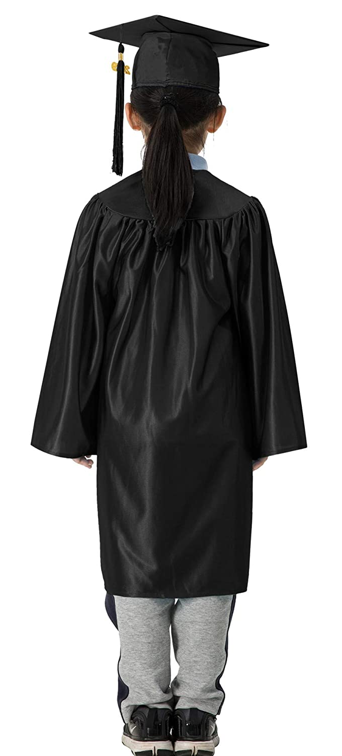 b8950dcea1f Amazon.com  GraduationMall Shiny Kindergarten   Preschool Graduation Gown  Cap Set with 2019 Tassel  Clothing
