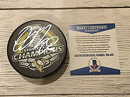 c8290ada3 Olli Maatta Signed Auto 2016 Penguins Stanley Cup Hockey Puck Beckett  Authentic