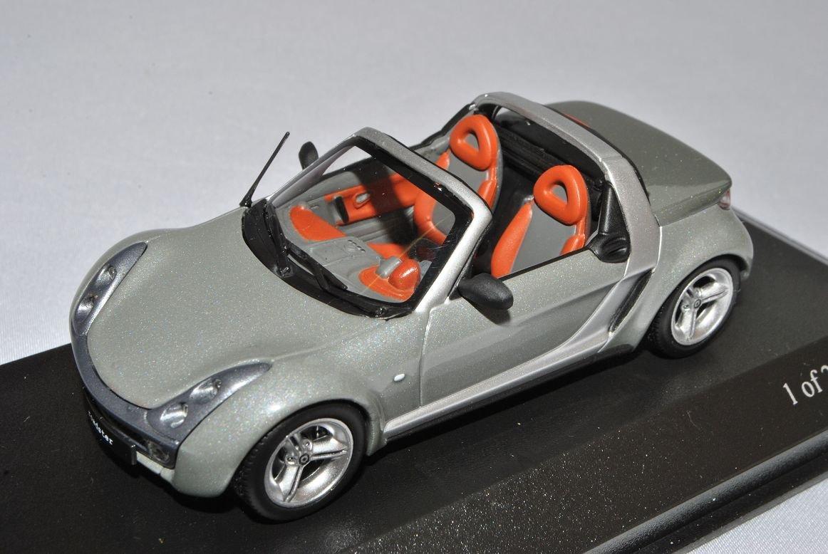 Smart Roadster Coupe Grau 2003-2005 1//43 Minichamps Modell Auto mit oder ohne in