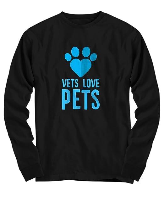 1dfcf28e4f58d1 Amazon.com  Candid Awe Vets Love Pets - Veterinary