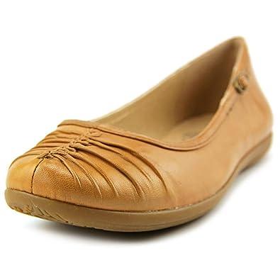 Womens Bare Traps Walda Slip on Flats COGNAC