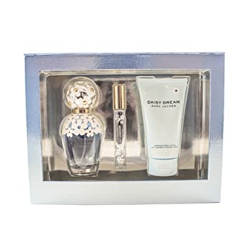 8857db562e12 Amazon.com : Marc Jacobs Daisy Dream 3 Piece Gift Set for Women : Beauty