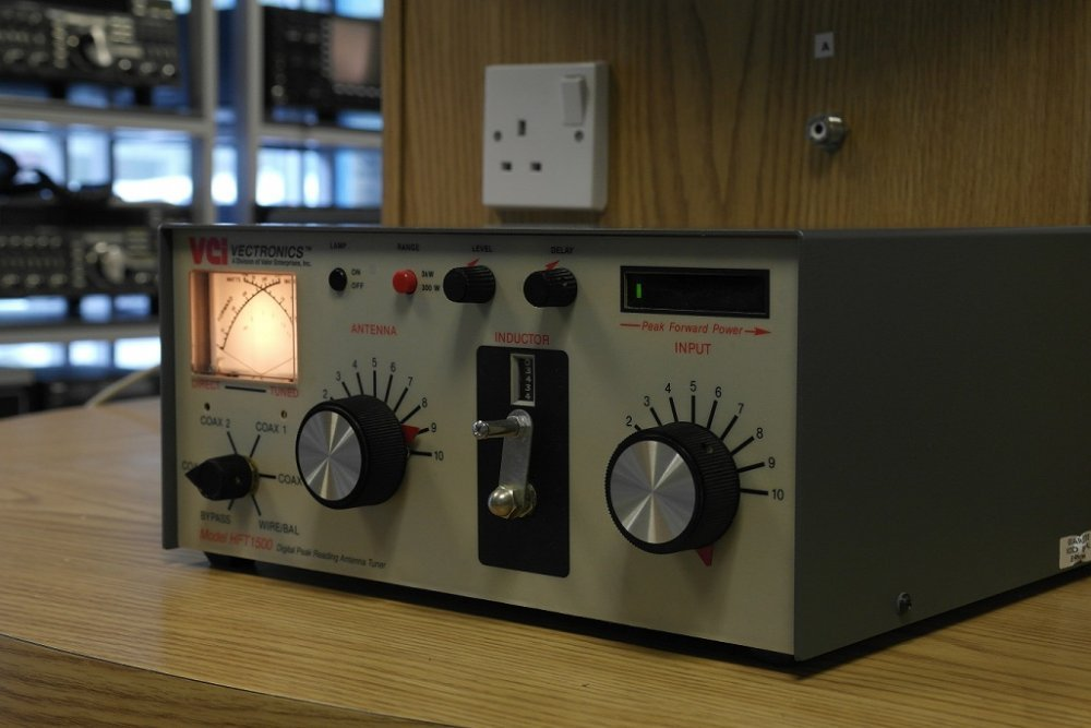 Second Hand Vectronics Hft-1500 1 8-30mhz Antenna Tuner