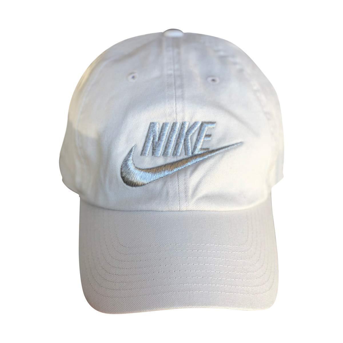 eb02656a3a37b Amazon.com  NIKE Mens Futura Washed H86 Adjustable Hat (Khaki