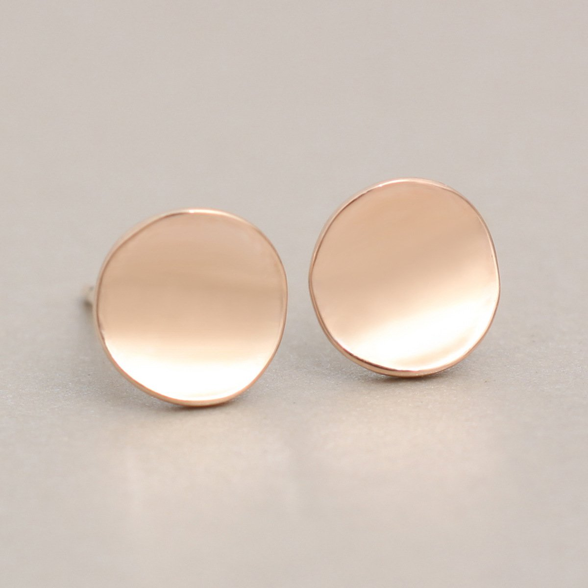 WLLAY Minimalist Tiny Round Circle Disc Stud Earrings for Women and Girl