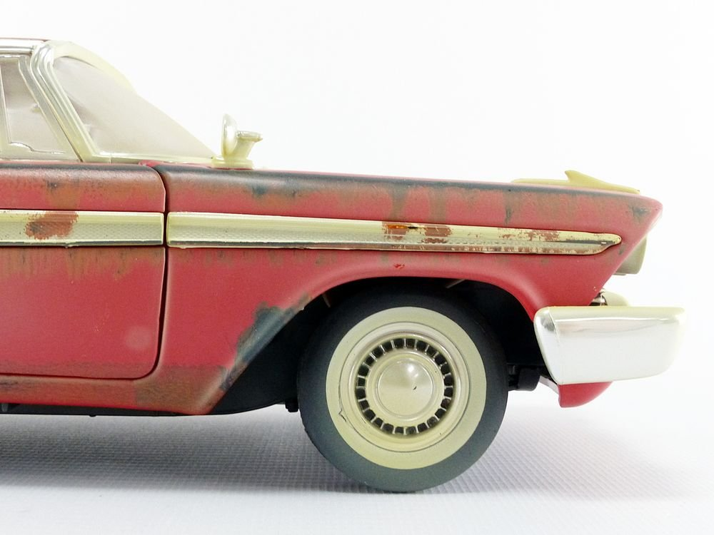 Auto World-Miniature Car Dirty Version Christine 1958Plymouth Fury 1/18Scale, awss119, Red/White by Auto World (Image #5)