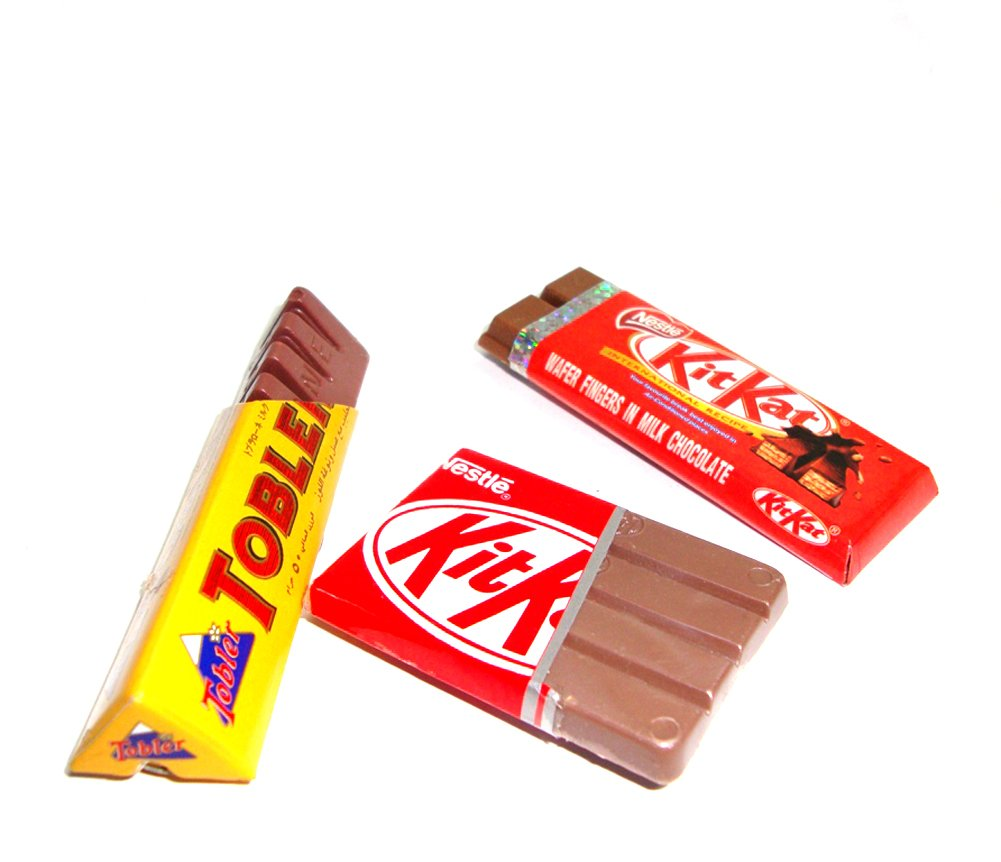 Nestle 2 Kit Kat Toblerone Chocolate Bar 3pcs/set Dollhouse Miniature Collectables Fridge Magnet