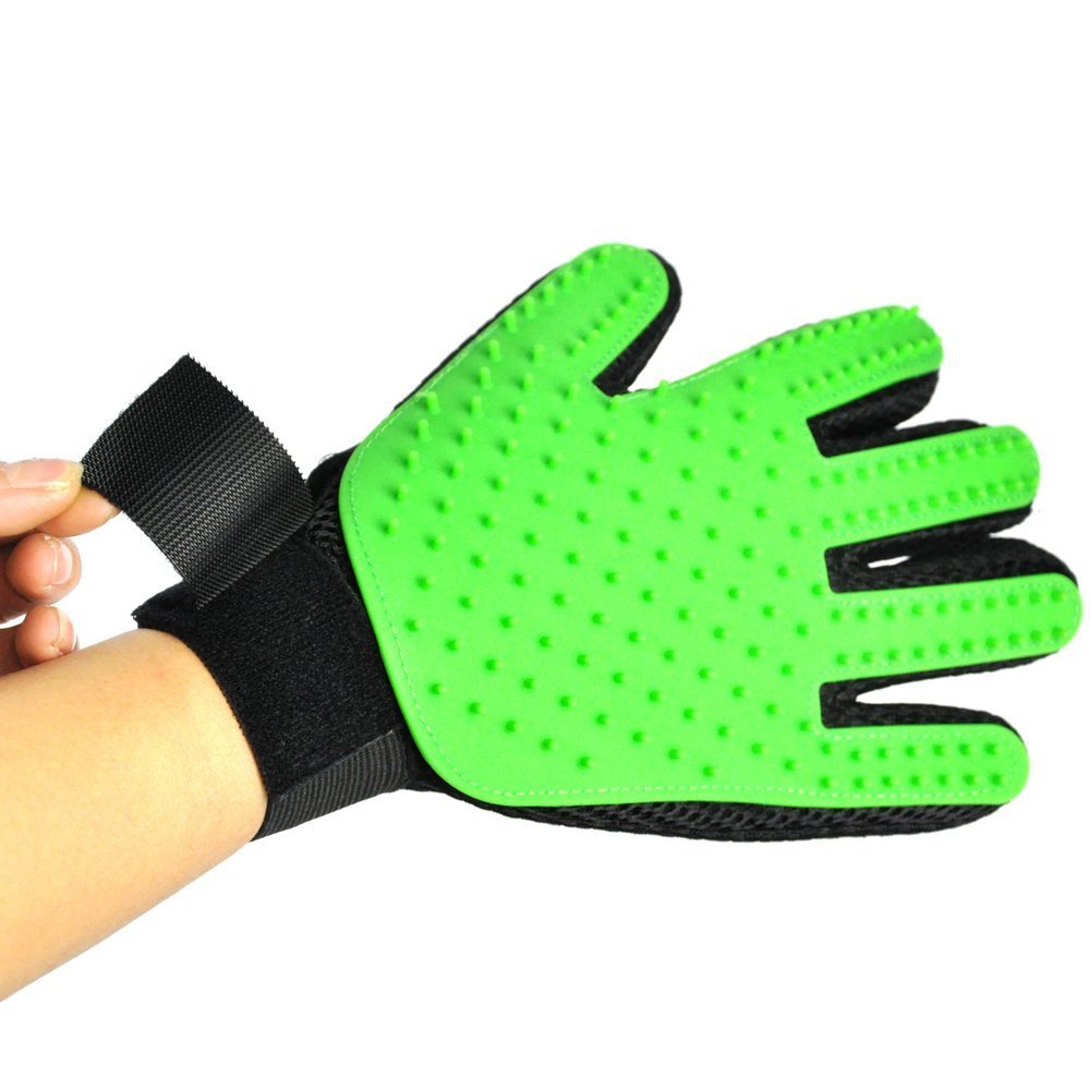 Petbob Pet Grooming Glove,Pet Deshedding Glove,Soft Gentle Pet Bath Massage Mitt,Silicone Pet Dematting Hair Removal Brush Glove Comb, For Long and Short Haired Dogs Cats Bunnies (green) by petbob (Image #3)