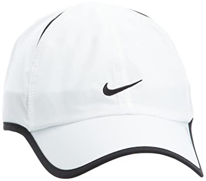 dbbfd5adfc0 Amazon.com   Nike Feather Light Cap - One - White   Baseball Caps   Sports    Outdoors