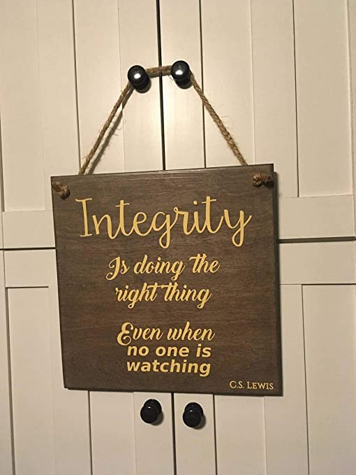 Amazoncom Ruskin352 Integrity Is Doing The Right Thing Even When