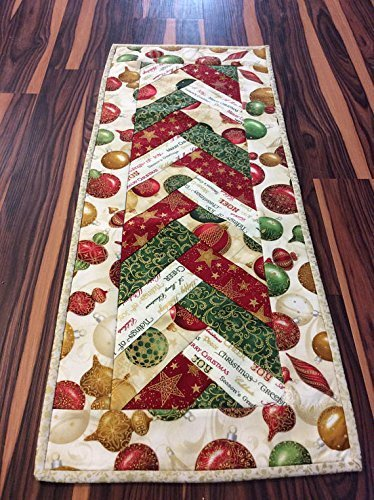 Christmas Table Runner Quilted.Amazon Com Christmas Table Runner Table Topper In A