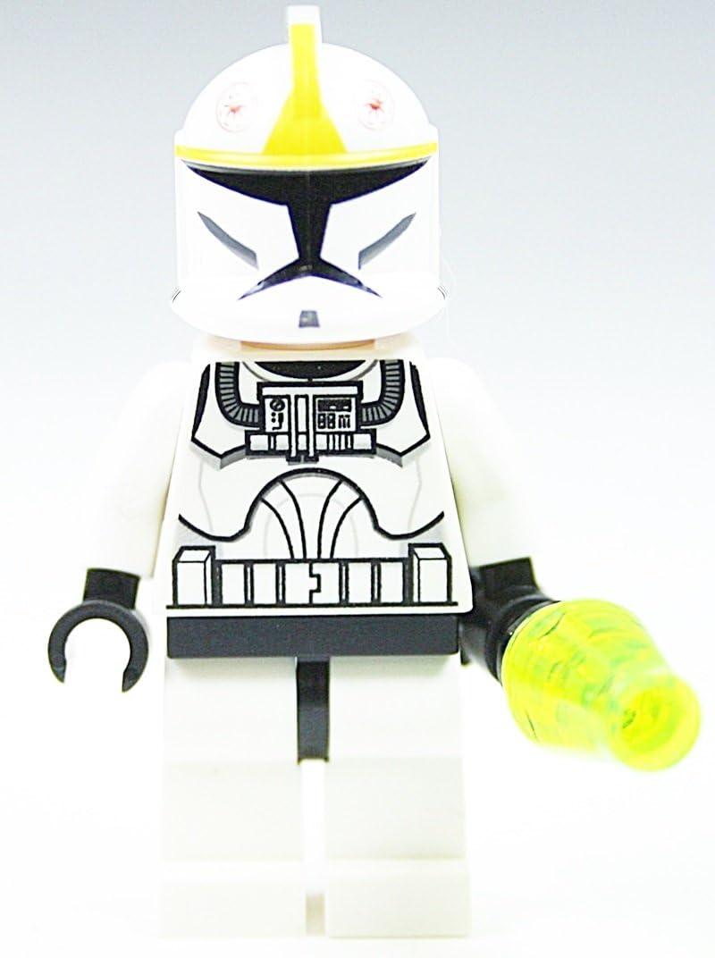 LEGO Star Wars Clone Pilot aus 10195 wie abgebildet Plus Sonderwaffe