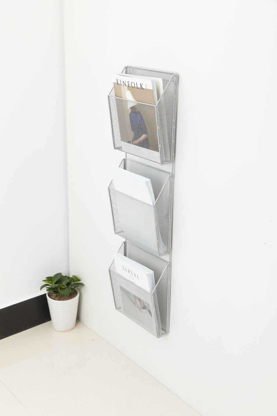 Lecent@ 3 Pocket Wall Mount Literature Rack Organizer Silver Steel Mesh Storage Baskets Metal Wall Magazine File Rack by Lecent