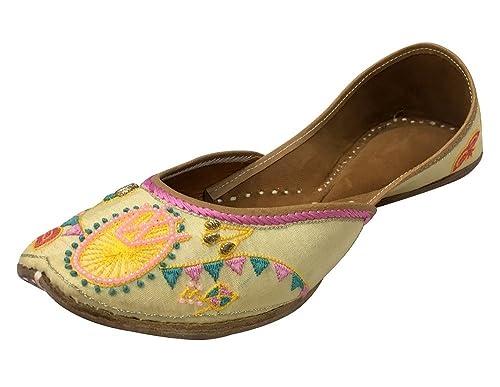 Step n Style Ladies Beige Color Mojari