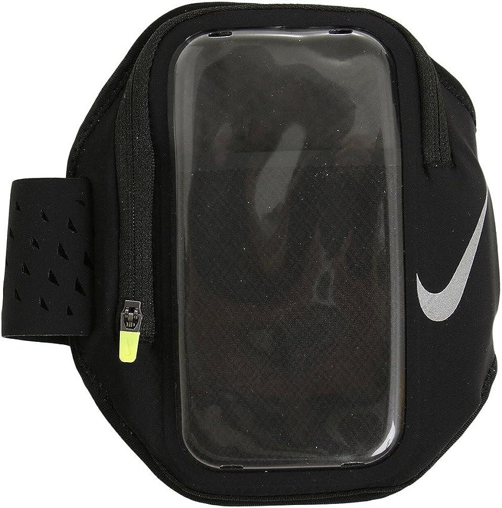 Relazione Estinto sonaglio  Amazon.com: Nike Pocket Running Armband (Black): Clothing