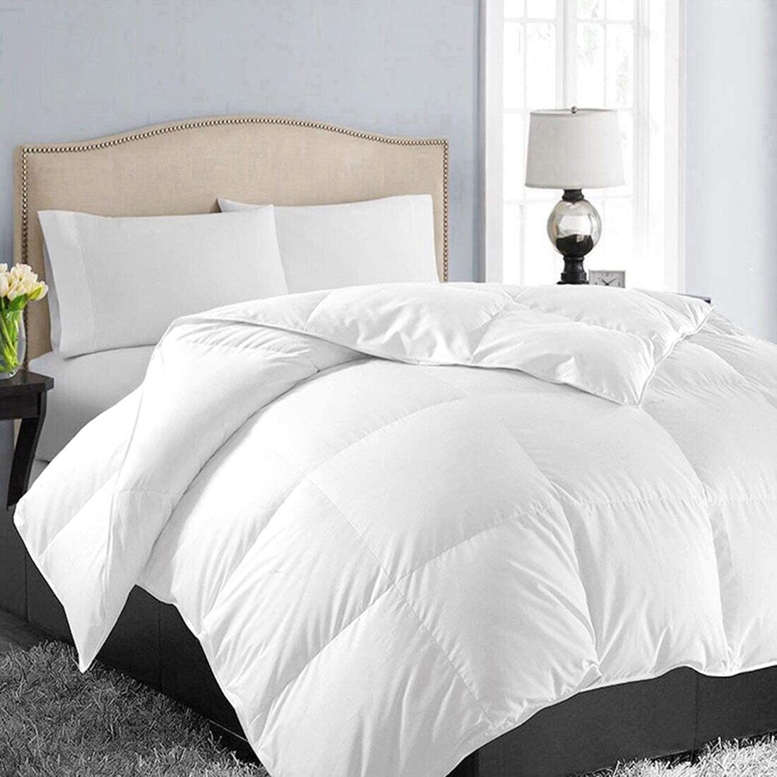 EASELAND All Season King Size Soft Quilted Down Alternative Comforter Hotel Collection Reversible Duvet Insert with Corner Tabs,Winter Warm Fluffy Hypoallergenic,White,90 by 102 Inches