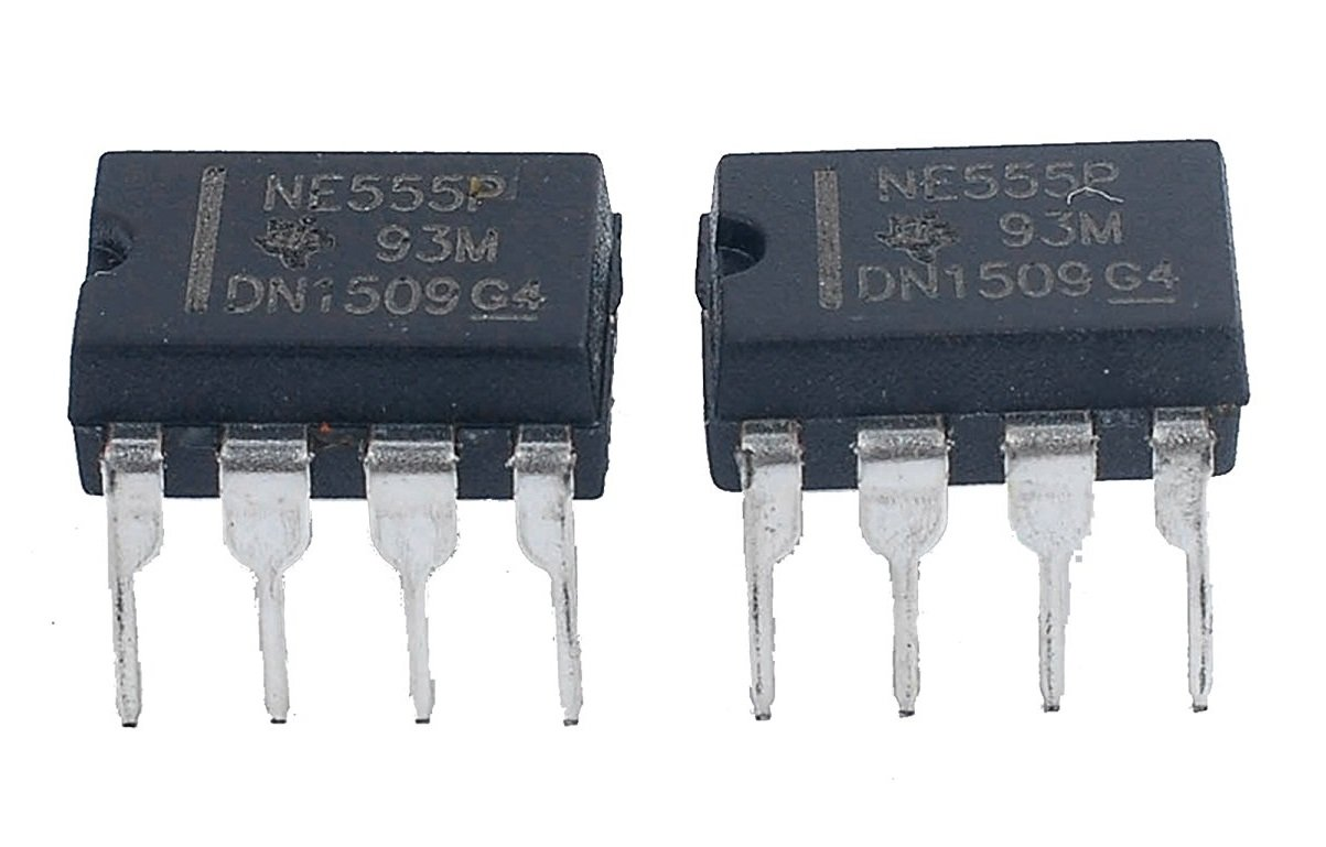 Texas Instruments Ne555p Ic Single Precision Timer Pack Electronix The Alternating Led Flasher Circuit With A 555 Of 12 Computers Accessories