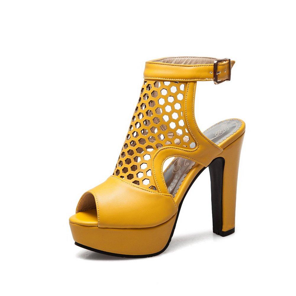 US M AN Womens Checkered Baguette-Style Yellow Urethane Sandals DIU00782-5 B