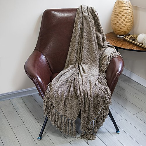 DOZZZ Chenille Couch Throw Blanket With Decorative Fringe For Home Décor  Gift Farmhouse And Sofa Chair Bed Furniture Cover, Brown