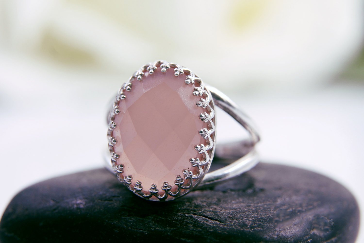 pink chalcedony ring, oval ring, silver ring, double band ring, delicate ring, girlfriend ring, love ring, pink ring