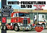 AMT AMT1046/12 1/25 White Freightliner 2-in-1 SC/DD Cabover