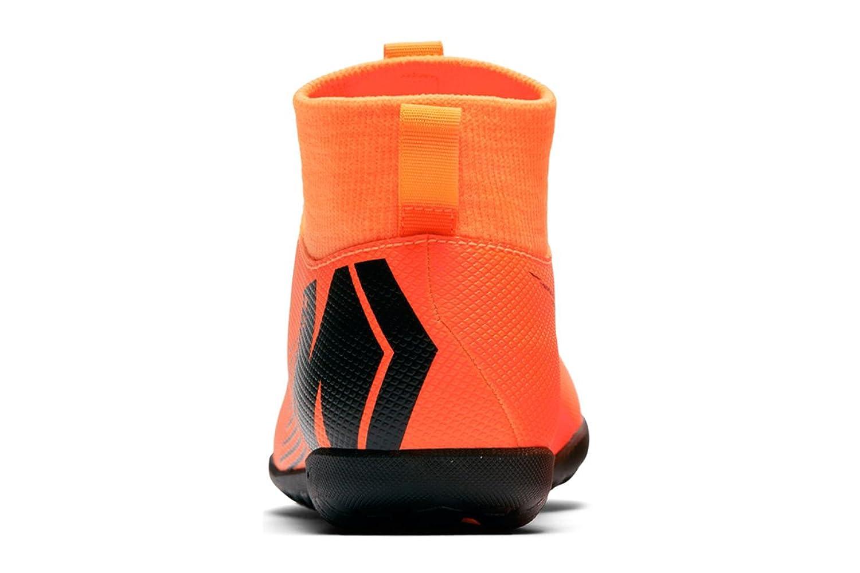 9bb6a21fcd Nike Jr Superflyx 6 Club TF, Chaussures de Football Mixte Enfant, Orange  (Total
