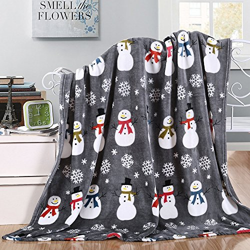 (Elegant Comfort Velvet Touch Ultra Plush Christmas Holiday Printed Fleece Throw/Blanket-50 x 60inch, Nutcrackers)