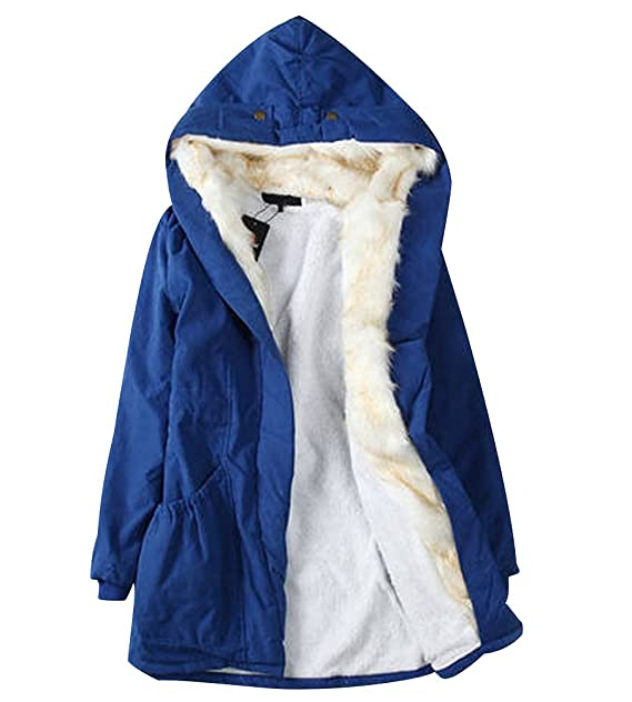 Chica con abrigos