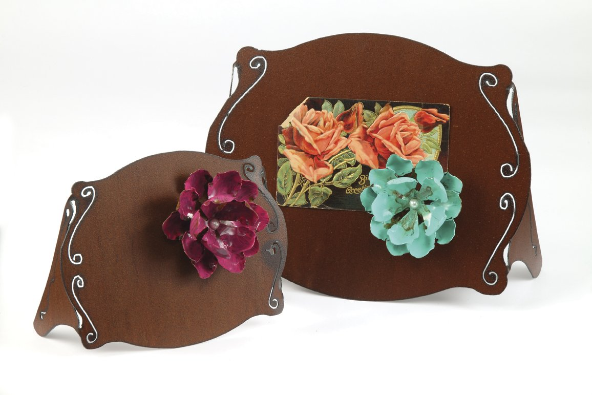 4X6 Rust Frame With A Large Flower Magnet