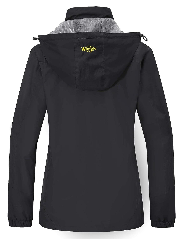 2229e06c62 Amazon.com  Wantdo Women s Lightweight Rain Jacket Breathable Hiking  Windbreaker Hooded Windproof Raincoat Packable Sportswear  Clothing