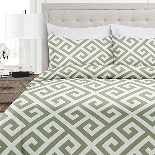 Italian Luxury Greek Key Pattern Duvet Cover Set - 3-Piece Ultra Soft Double Brushed Microfiber Printed Cover with Shams - King/California King - Sage/White