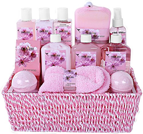 "Premium Deluxe ""Complete Spa at Home Experience"" Gift Basket by Draizee – #1 Best Gift for Christmas - Large Luxury Skin Care Set with Tons of Lotions, Creams, Bath Bombs, Socks & Much More!"