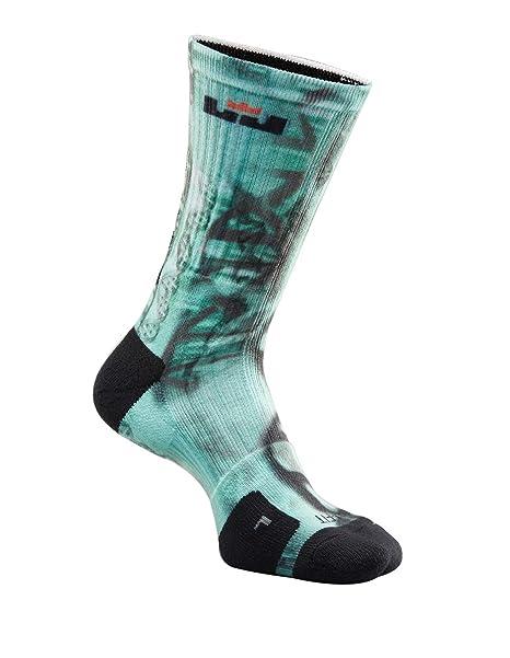 f070e1d23e8e Amazon.com  Nike LeBron James Elite Digital Ink Crew Basketball Socks-Green-Medium   Sports   Outdoors
