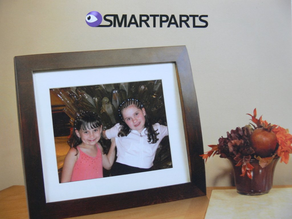 Amazon smartparts spx8e 84 syncpix digital picture frame amazon smartparts spx8e 84 syncpix digital picture frame camera photo jeuxipadfo Gallery
