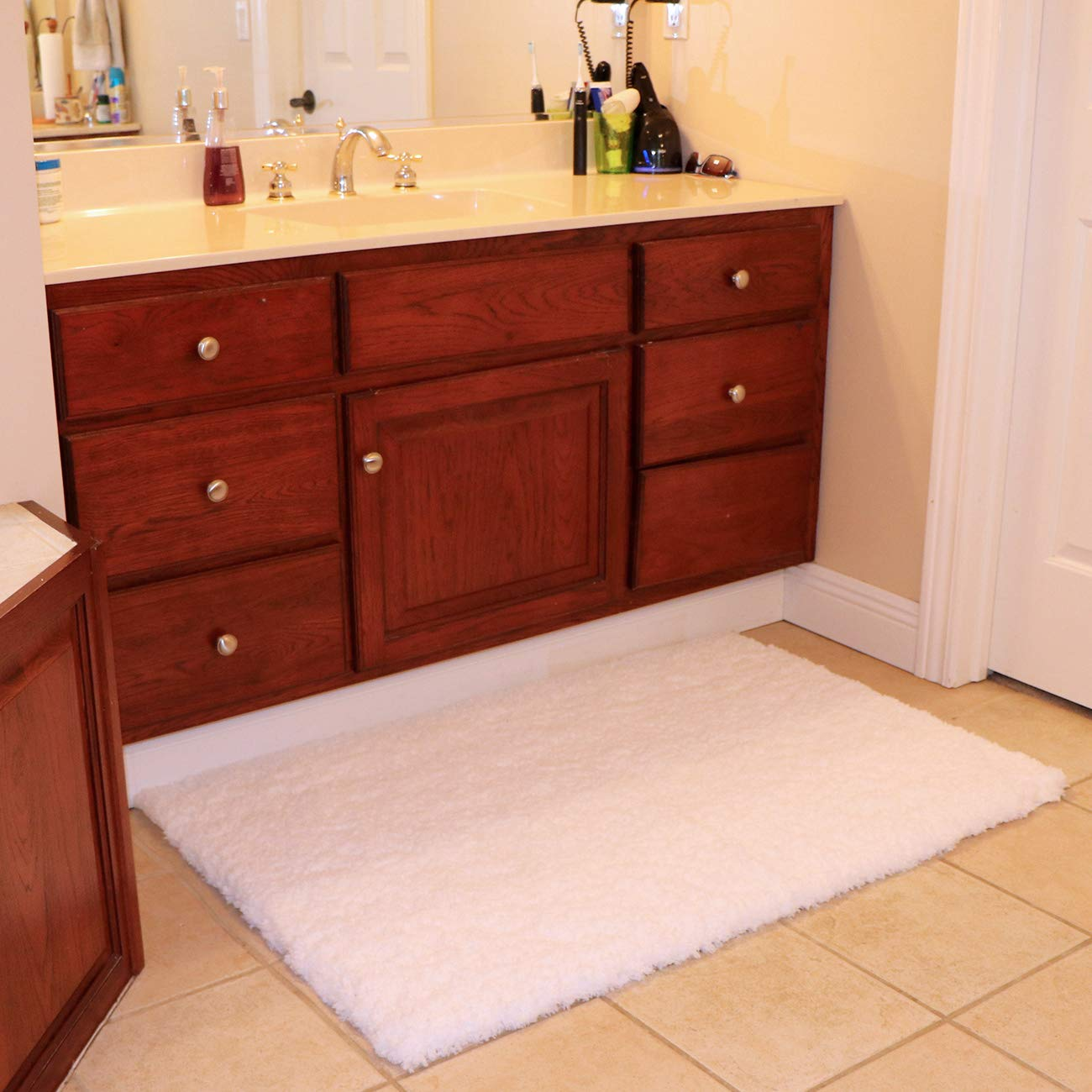 KMAT Bath Mat Bathroom Rugs 32'' x 47'',Large Soft Shaggy White Microfiber Shower Rug, Machine Washable Throw Rugs Non Slip Absorbent Luxury Plush Floor Mats Runner Carpet for Bath Tub Shower Bathroom by KMAT