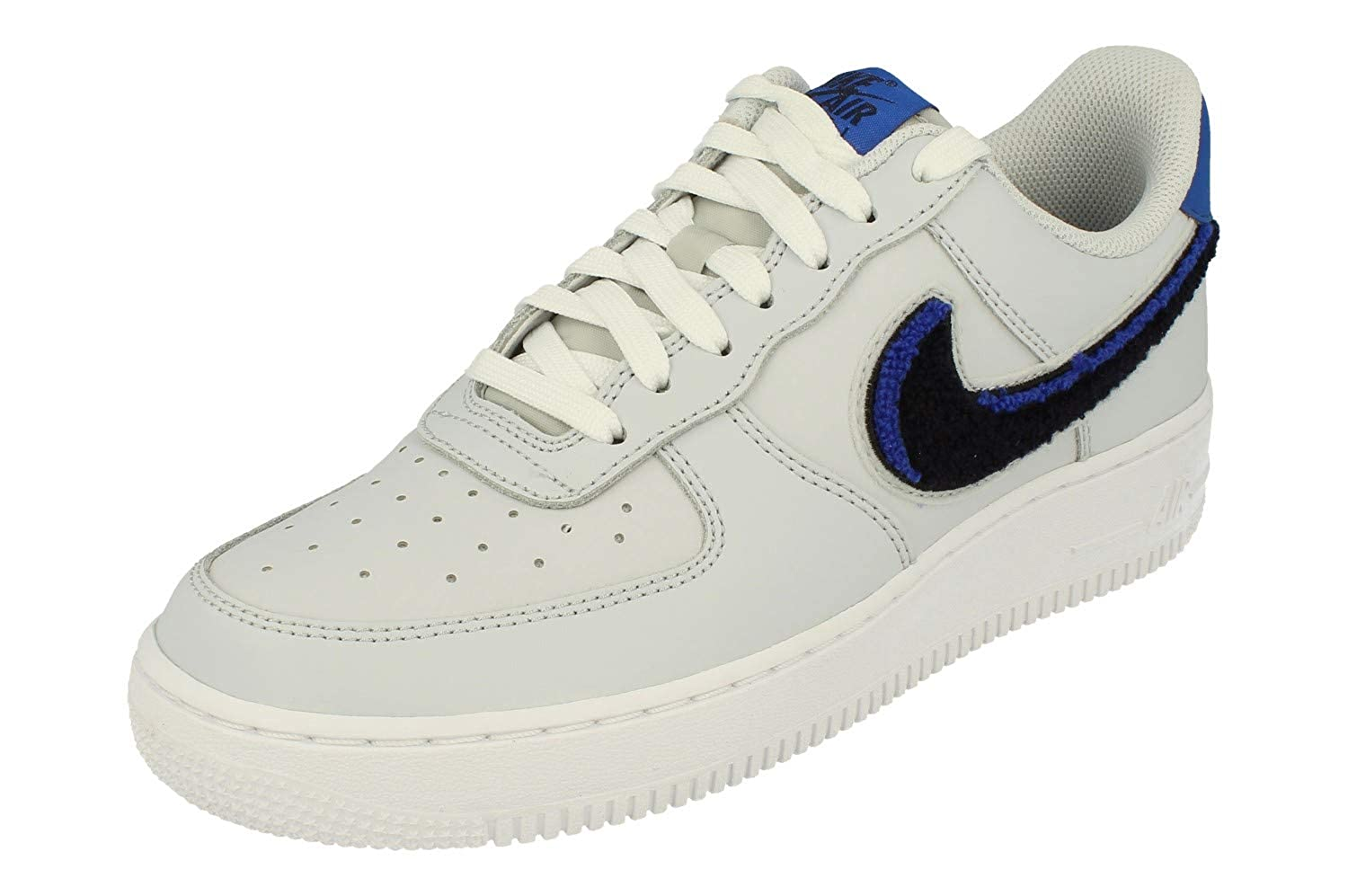 brand new 8b494 8c371 Amazon.com   Nike Air Force 1 07 LV8 Mens Trainers Bq2719 Sneakers Shoes    Shoes