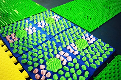 Nemoyard Set of 2pcs Runningman Foot Fitness Plastic Spike Mat Shiatsu Sheet Cushion (Grass Green)