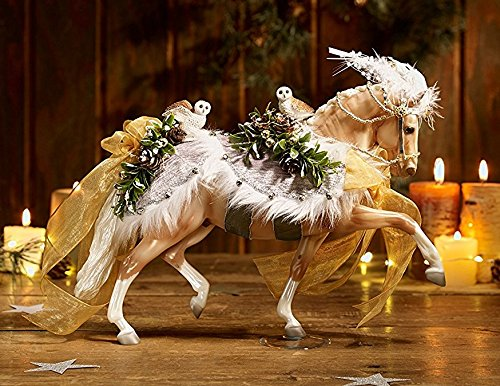 - Breyer Winter Wonderland - 2017 Holiday Christmas Horse - Limited Edition