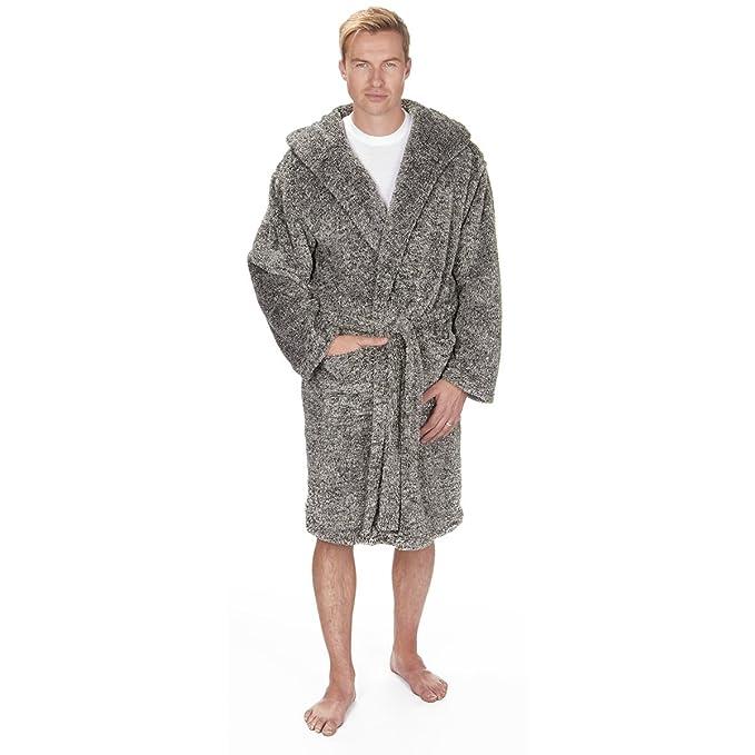 f548e912f4 Pierre Roche Men s Hooded Snuggle Fleece Plush Bath Robe with Pockets   Amazon.ca  Clothing   Accessories