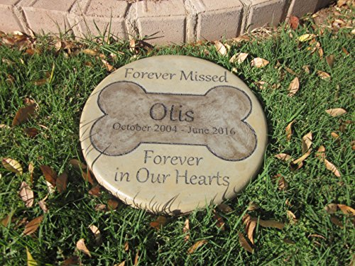 Personalized Pet Memorial Step Stone 11'Diameter' Forever Missed Forever in Our Hearts
