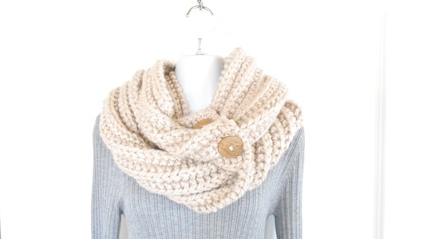 Amazon.com: Hand Knit Bulky Infinity Scarf, Cream Colored Knit Cowl ...