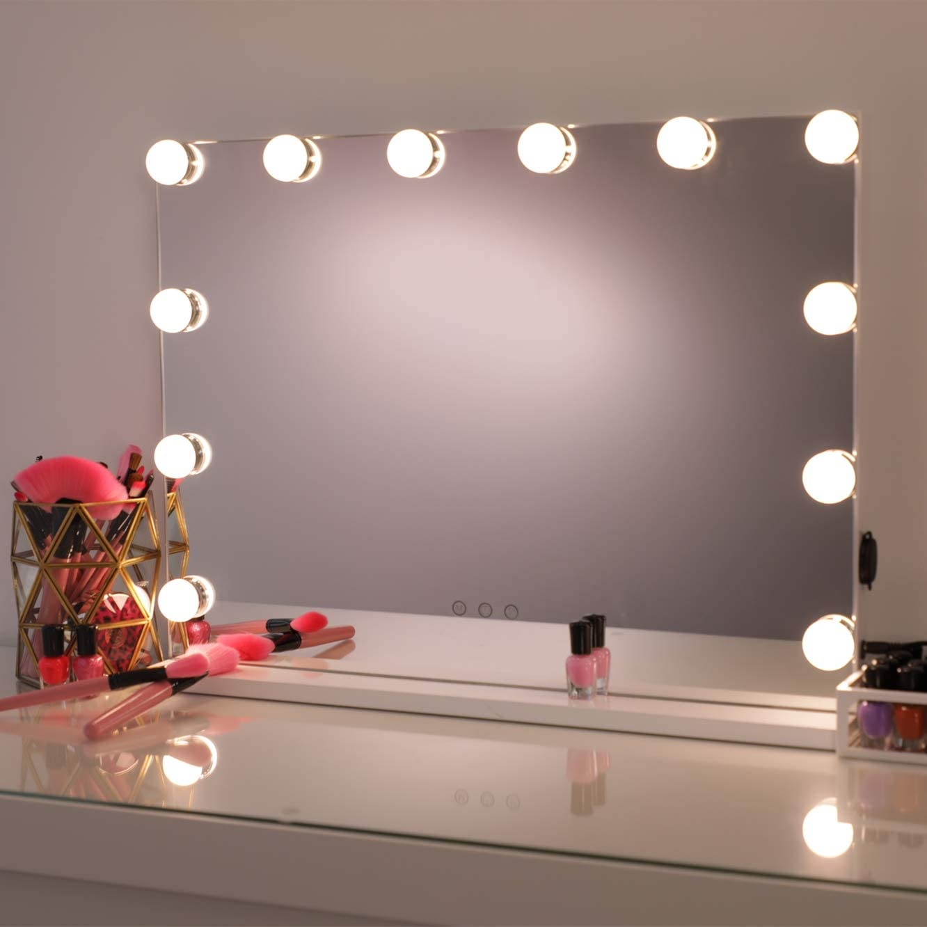 Amazon Com Hollywood Mirror Makeup Vanity Mirror With Lights Professional Hollywood Style Smart Touch Design Dimmable Bulbs In 3 Color Tone Modes Usb Charging Port W 22 8 X H 18 2 White Home Kitchen