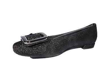 94f1a370763 Amazon.com  Stuart Weitzman Women s Squared Black Ballet Flats