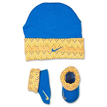 5f09712b772569 Image Unavailable. Image not available for. Color  Nike Jordan Boys  Infant  Nike Hat Bootie Combo ...
