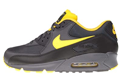 baskettes hommes nike air taille 40